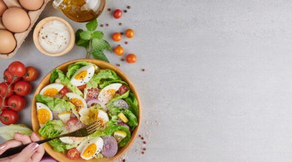 Nutrición - Alimentos saludables sobre una mesa