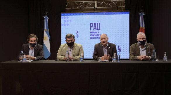Sabella, López, Oliva y Pepe encabezando el acto presencialmente