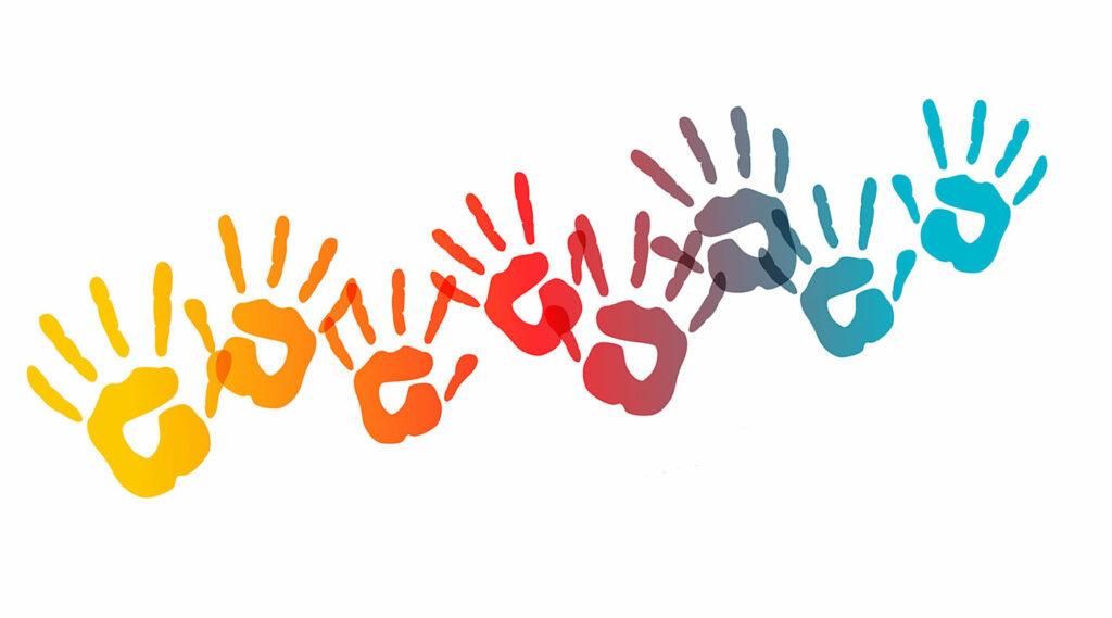 Huellas de manos con pintura de colores